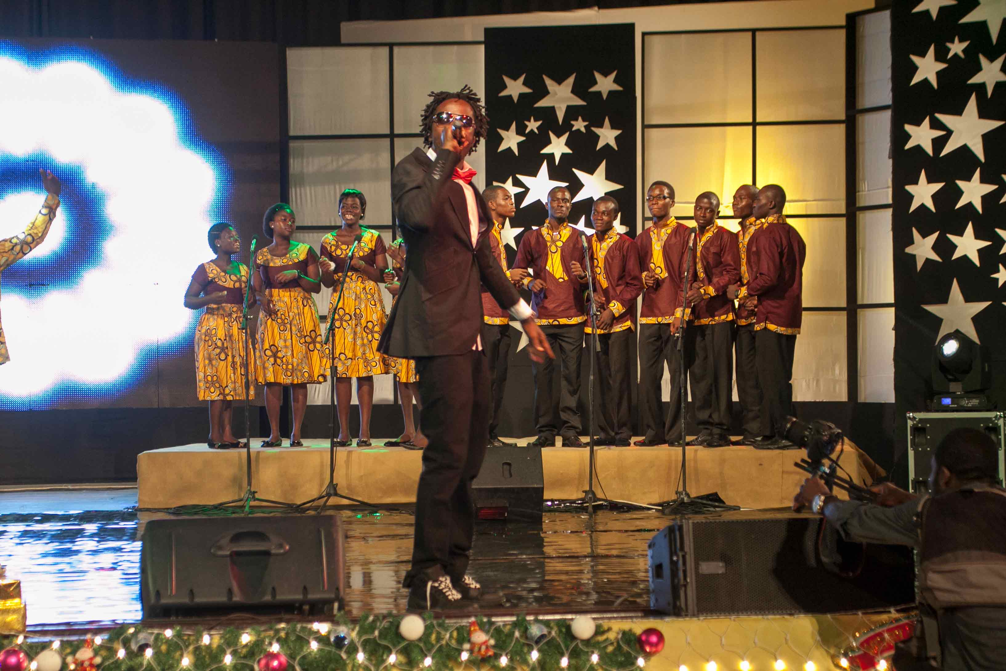 MTN-CAROLS-NIGHT_2012-11